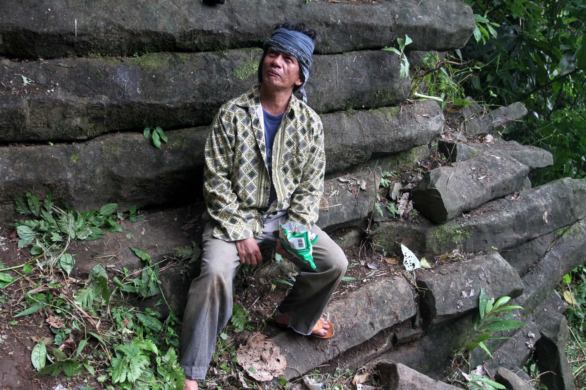 Yuk Menjelajah Situs Gunung Padang di Desa Kami Majenang (Contoh Warta Warga)