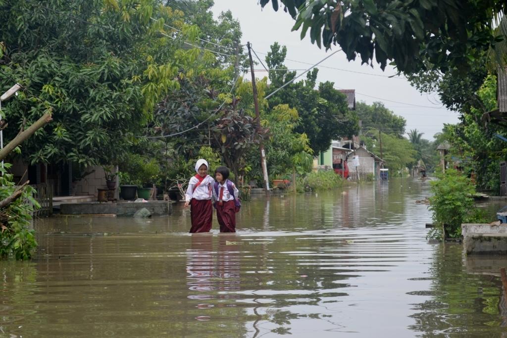 Ngenes, 10 hari terakhir Kroya Cilacap Terendam Banjir (Contoh Kabar Desa)