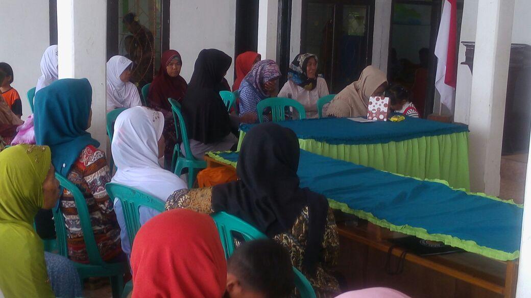Peningkatan Kapasitas Kelompok Usaha Ibu-Ibu Desa Sidamukti